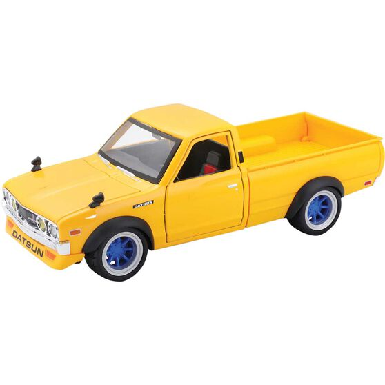 Die Cast 1973 Datsun 620 Pickup 1:24 Scale Model, , scaau_hi-res