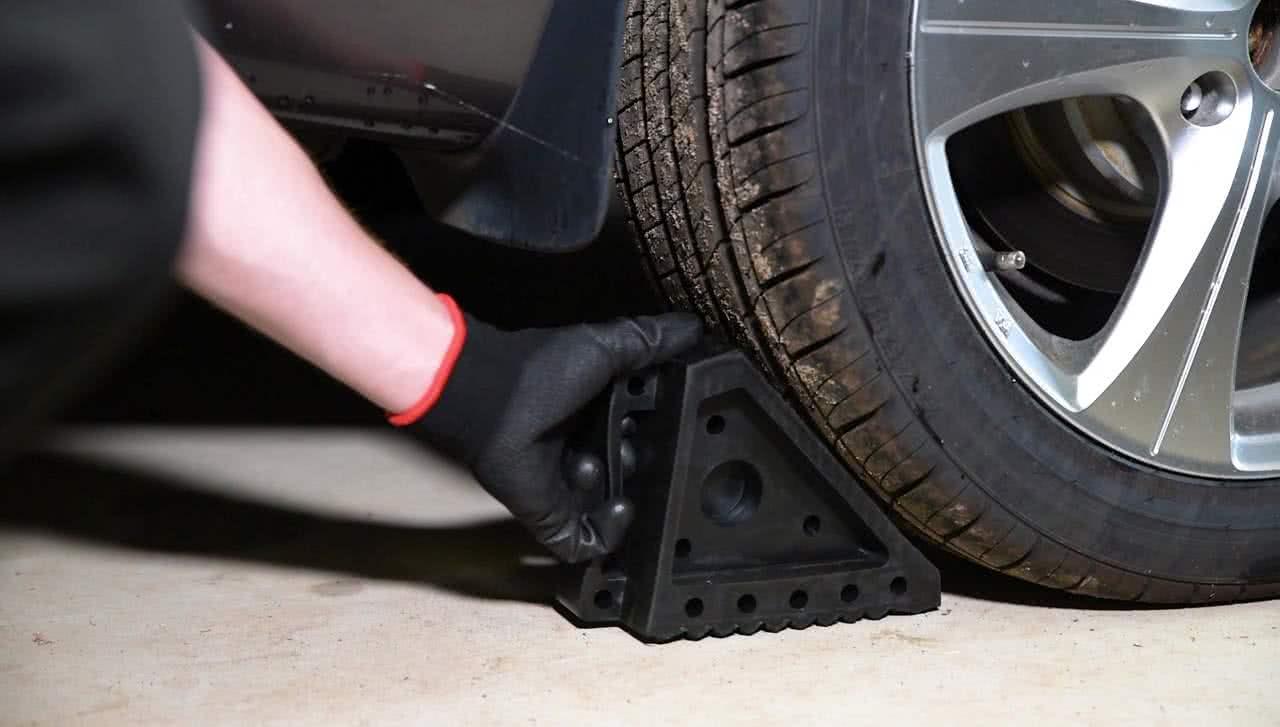 Chock the wheels