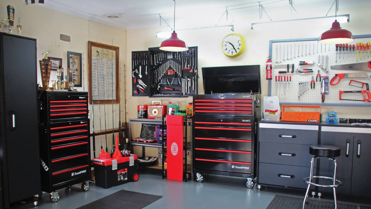 Organised garage workshop